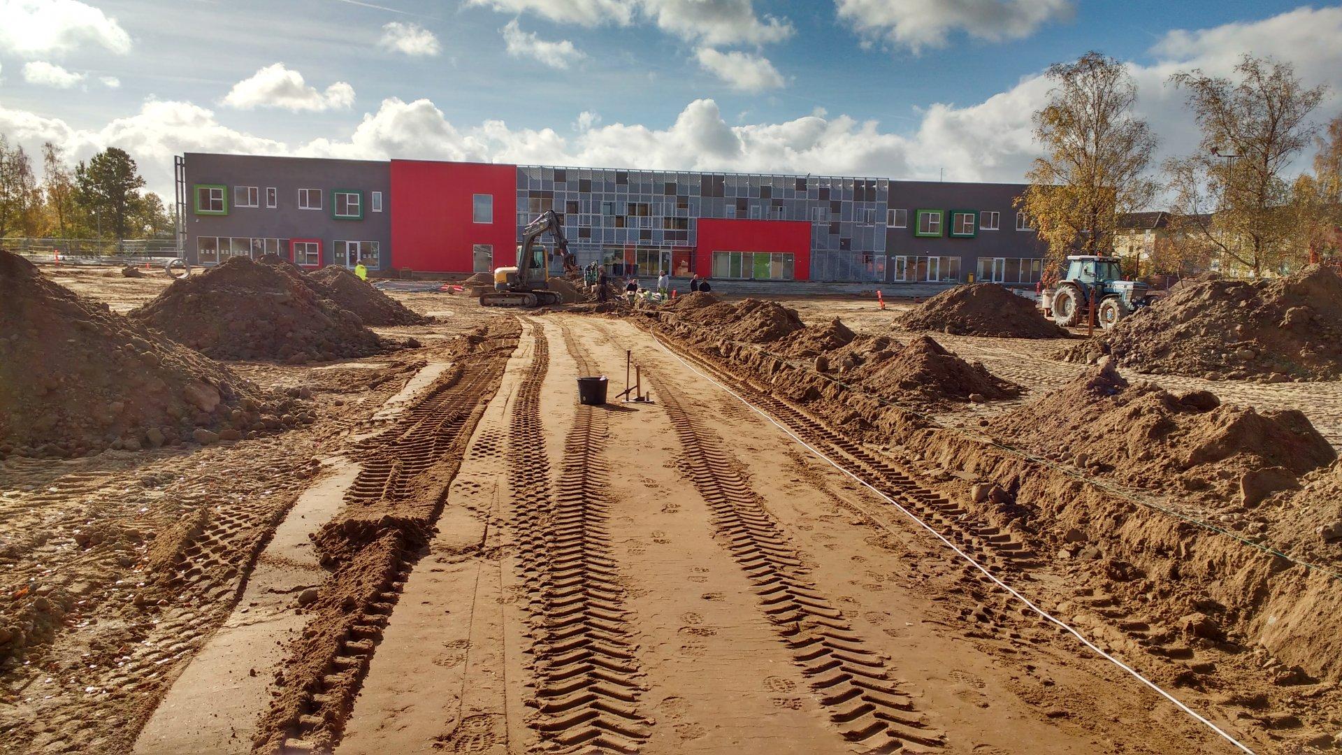 Frederiksberg Skole | Reference | Holbøll udfører jord, kloak og belægning