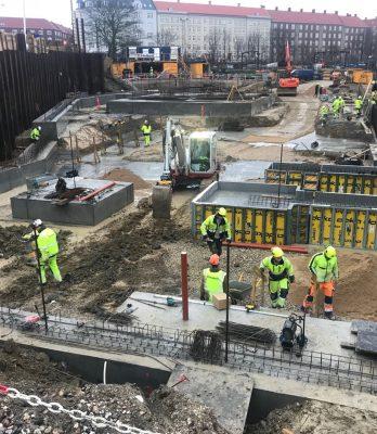 KAB Domicil | Holbøll graver ud for og støber fundamenter