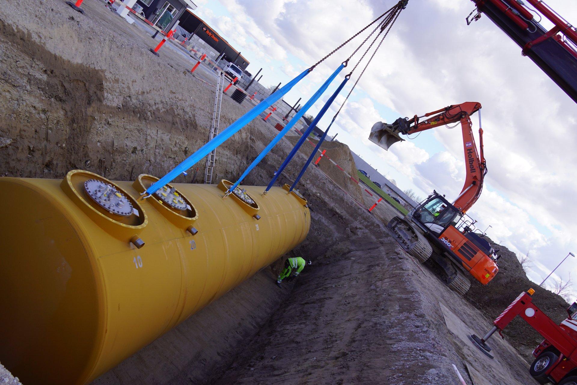YX tankstation | Holbøll udfører jord og belægning